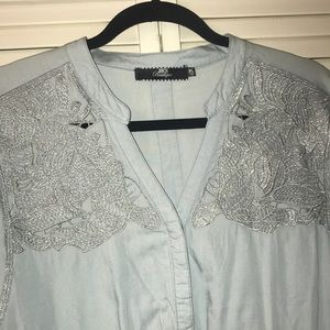 BKE Tops - 🔥Bke stylish silver embroidery pattern top🔥